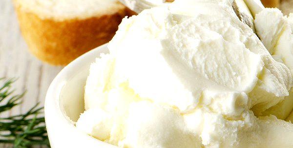 Crema spalmabile a base di yogurt