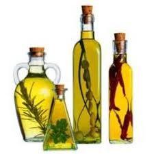 Olio Insaporito con Aglio, Erbe o Spezie